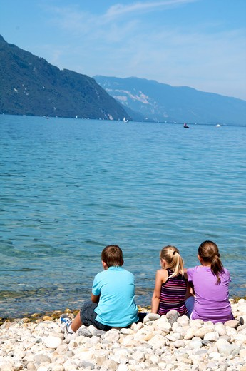 Stock Photo: 4252-32629 Children lake