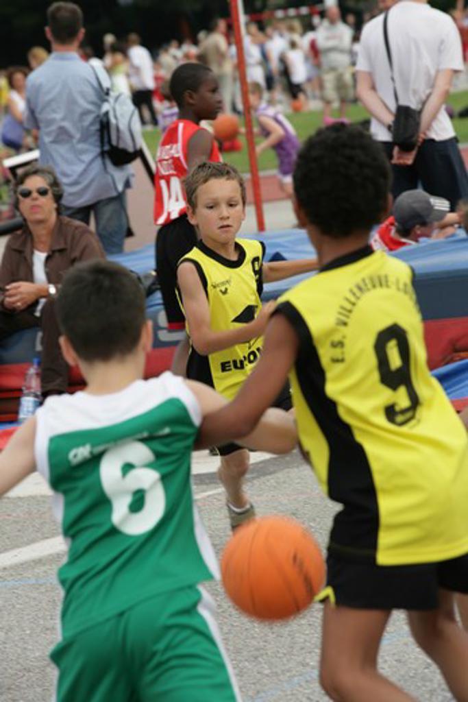 Stock Photo: 4252-3544 Children basketball