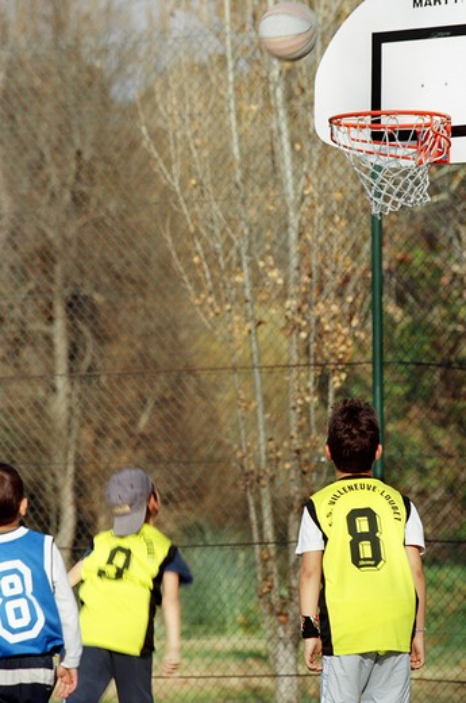 Stock Photo: 4252-3570 Children basketball