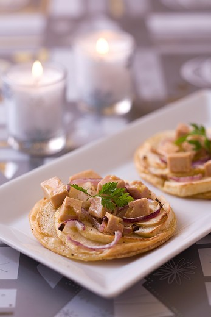 Foie gras apple pies : Stock Photo