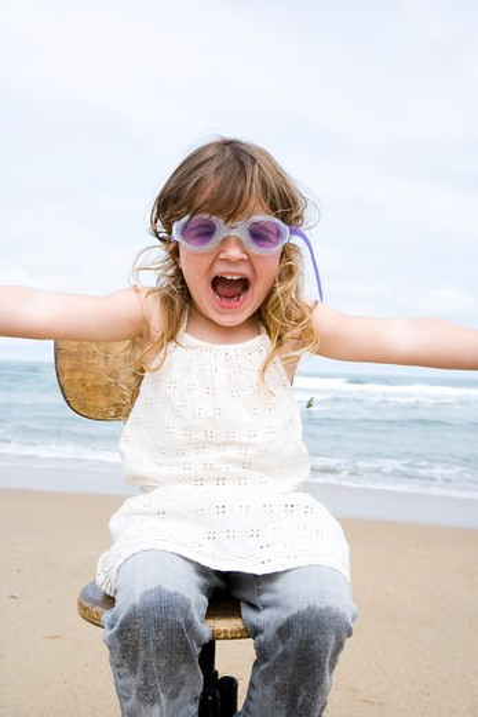 Stock Photo: 4252-913 Little girl beach energy