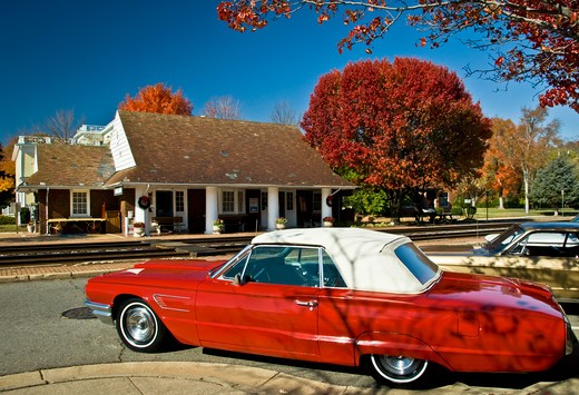 USA, Virginia, Ashland, Ashland Visitor's Center, Amtrak station, Old red convertible : Stock Photo