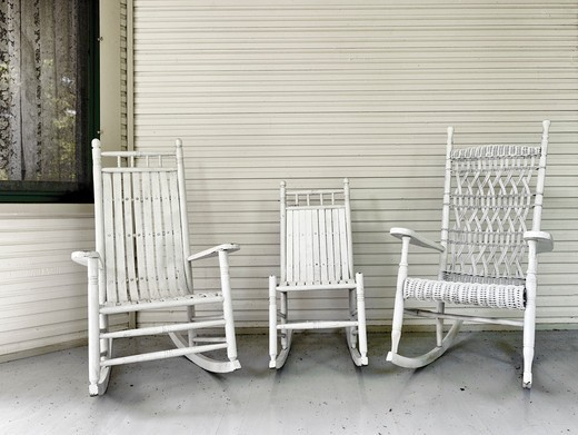 Stock Photo: 4260-1165 USA, Michigan, Petosky, Bay View, Rocking chairs on porch