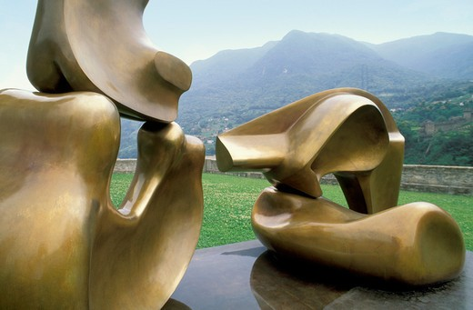 Stock Photo: 4261-21415 henry moore sculpure, bellinzona, switzerland