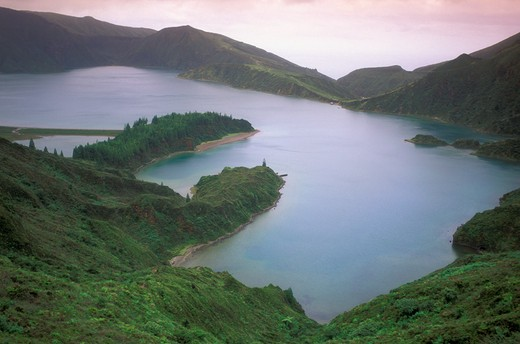 Stock Photo: 4261-21674 lagoa do fogo, sao miguel, portugal