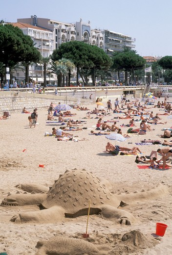 Stock Photo: 4261-21953 croisette beach, cannes, france