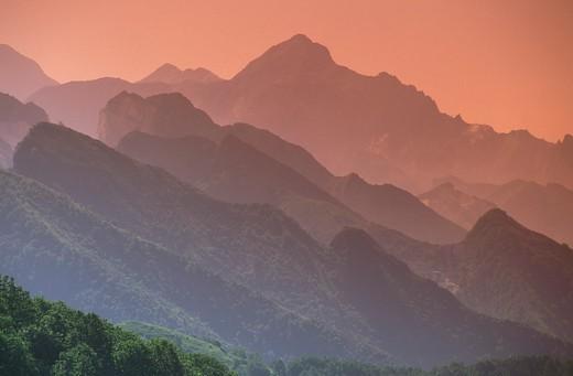 Stock Photo: 4261-22548 alpi apuane skyline, carrara, Italy
