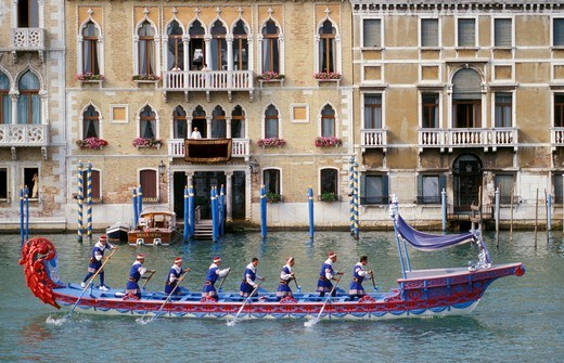 Stock Photo: 4261-23459 historical regatta, venice, italy