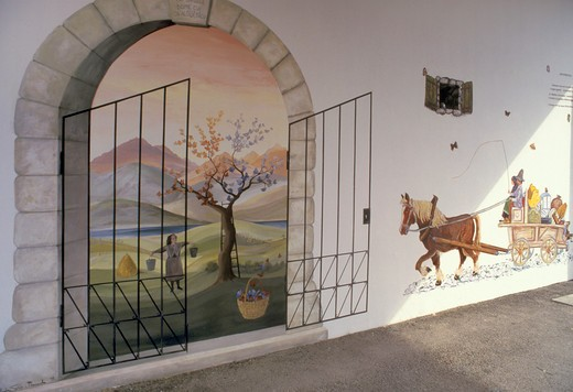 Stock Photo: 4261-23608 murales on house, bordano interneppo, italy