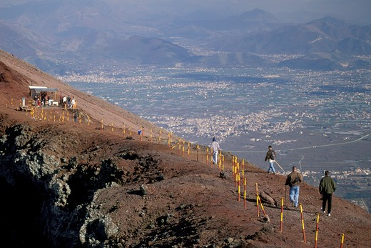 Stock Photo: 4261-25723 people at main crater, vesuvius, italy