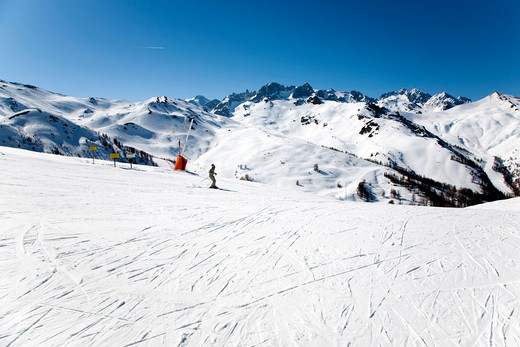 Stock Photo: 4261-27642 Ski run, Briançon, Serre-Chevalier, France, Europe