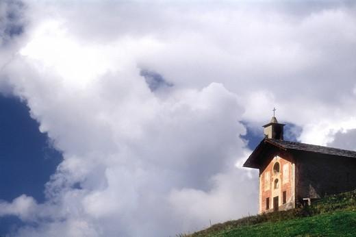 Mountain church in Praz, near Lignan, Valle di Saint Barthélemy, Aosta Valley, Italy : Stock Photo