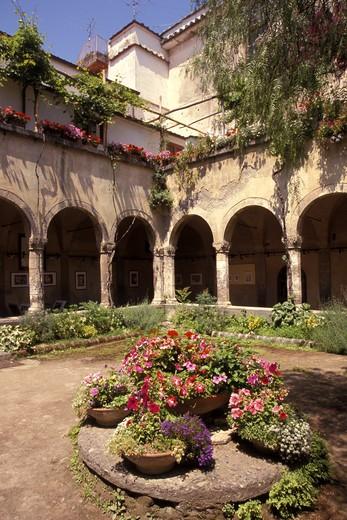 Cloister of San Francesco, Sorrento, Campania, Italy. : Stock Photo