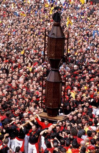 Stock Photo: 4261-33240 La corsa dei ceri, San Ubaldo quarter, Gubbio, Umbria, Italy