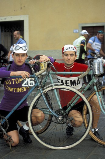 Stock Photo: 4261-41213 Granfondo Eroica bicycle race, Gaiole In Chianti, Tuscany, Italy