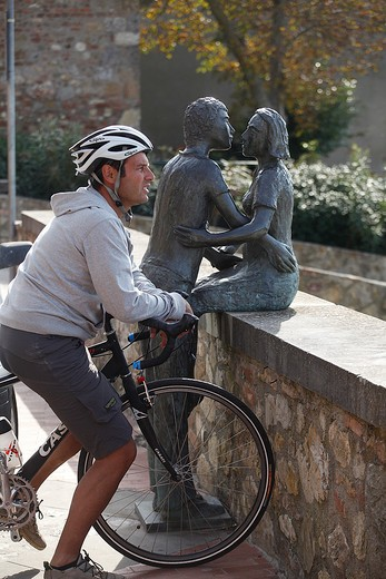 Cyclist in Old Town, Casole d'Elsa, Tuscany, Italy : Stock Photo
