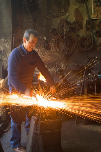 Iron manufacturing, Filippo Scioli artisan, Guardiagrele, Abruzzo, Italy  : Stock Photo