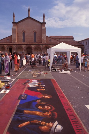 "Feast of  Street Painters ""Madonnari"", Le Grazie, Mantua, Lombardy, Italy : Stock Photo"