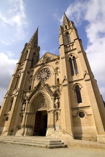 The church of Saint Baudile, Nimes, Provence, France : Stock Photo