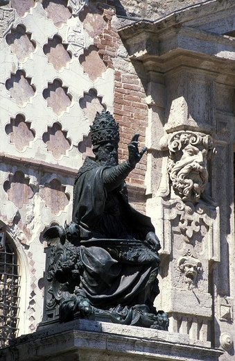 Stock Photo: 4261-67532 Pope Giulio III statue, IV Novembre square, Perugia, Umbria, Italy.