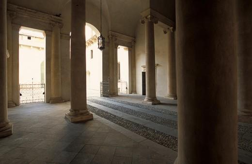 Stock Photo: 4261-68382 Courtyard, Barbaran da Porto palace, Vicenza, Veneto, Italy