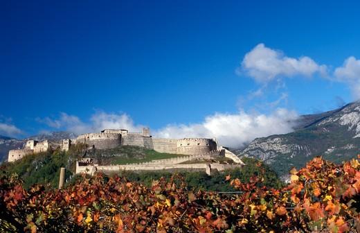 Stock Photo: 4261-74991 Landscape with castle, Besenello, Vallagarina, Trentino Alto Adige, Italy