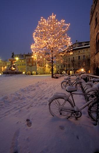 Christmas time, Piazza del Duomo, Trento, Trentino Alto Adige, Italy : Stock Photo