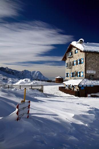 Giorgio Graffer hut at dusk, Dolomiti di Brenta chain, Madonna di Campiglio, Trentino Alto Adige, Italy : Stock Photo