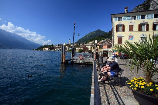 Stock Photo: 4261-76174 Foreshortening, Garda lake, Limone sul Garda, Lombardy, Italy