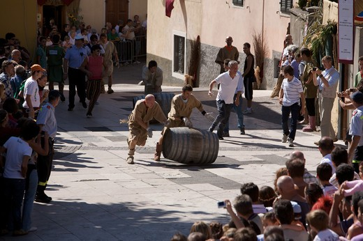 Stock Photo: 4261-77120 Barrel race in historic recalling Uva e Dintorni,  Sabbionara d'Avio, Bassa Vallagarina, Trentino Alto Adige, Italy, Europe