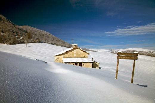 Fratte hut, Sega di Ala, Monti Lessini, Trentino Alto Adige, Italy : Stock Photo