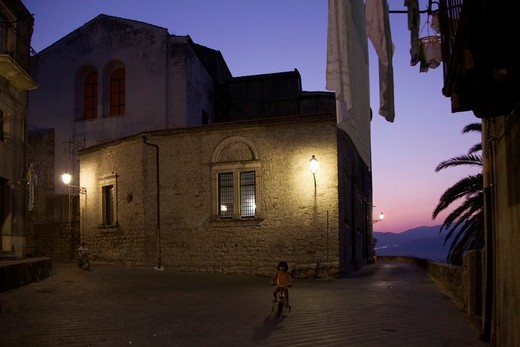 Foreshortening, Castglione di Sicilia, Catania, Sicily, Italy, Europe : Stock Photo