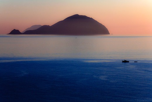 Seascape at sunset, Pollara, Salina Island, Aeolian Islands, Sicily, Italy : Stock Photo