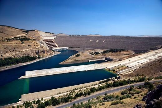 The Ataturk Dam on the Euphrates river near Adiyaman, Turkey, Europe : Stock Photo