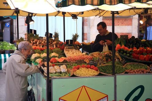 Market, La Rochelle, Charente-Maritime, France, Europe  : Stock Photo