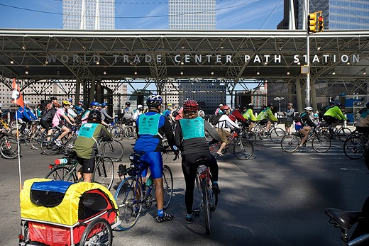 Stock Photo: 4261-96049 USA, new york, manhattan, cycling downtown Manhattan, near the former World Trade Center