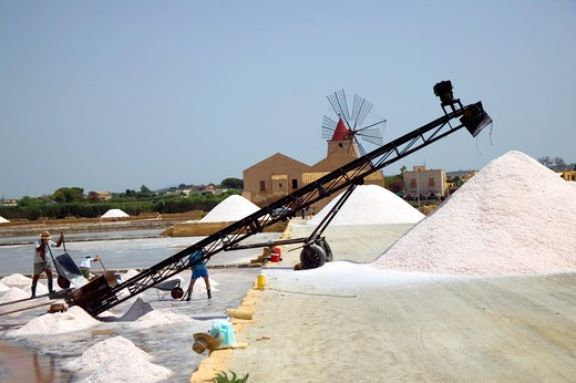 Salt, Ettore e Infersa saltworks, Marsala, Sicily, Italy : Stock Photo