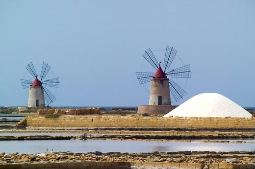 Stock Photo: 4261-97598 Landscape, Ettore e Infersa saltworks, Marsala, Sicily, Italy