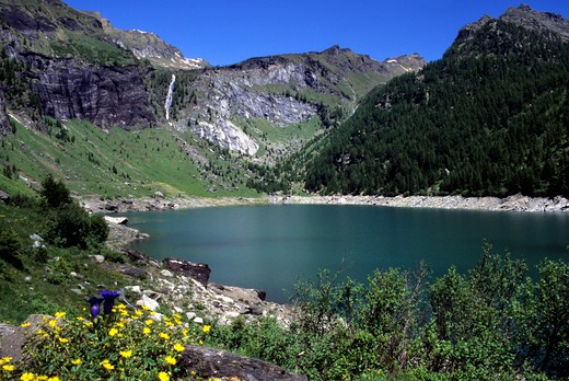 Stock Photo: 4261-98977 Agaro lake, Val Formazza, Piedmont, Italy