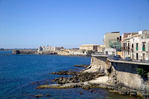 Stock Photo: 4261-99259 Promenade, Siracusa, Sicily, Italy