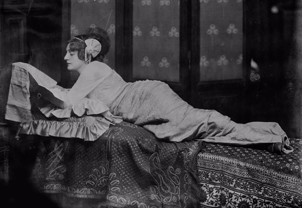 Stock Photo: 4266-17407 The actress Lydia Yavorskaya (1871-1921) by Anonymous  /Museum of the Moscow Art Theatre/1913/Photograph/Russia/Opera, Ballet, Theatre,Portrait