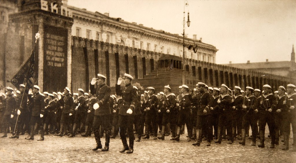 Stock Photo: 4266-17759 Red Marines of the Armoured Cruiser Aurora Parading on Red Square by Otsup, Pyotr Adolfovich (1883-1963)/Russian State Film and Photo Archive, Krasnogorsk/1925/Photograph/Russia/History