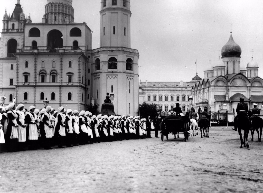 Stock Photo: 4266-18213 Tsar Nicholas II receiving the pupils of Moscow in the Kremlin by Photo studio K. von Hahn  /Russian State Film and Photo Archive, Krasnogorsk/1912/Silver Gelatin Photography/Russia/History