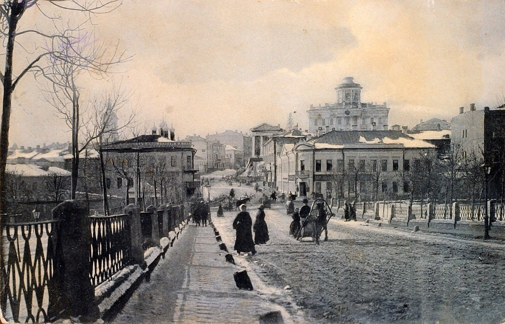 Moscow in Winter. View of the Znamenka Street by Russian Photographer  /Russian State Film and Photo Archive, Krasnogorsk/Early 20th cen./Silver Gelatin Photography/Russia/Landscape : Stock Photo