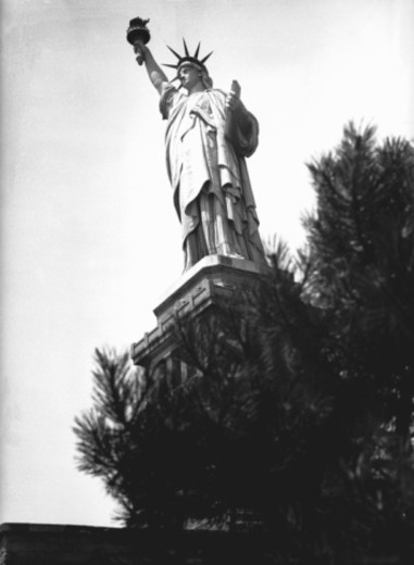Stock Photo: 4267R-3360 Statue of Liberty, New York, USA, (B&W), low angle view