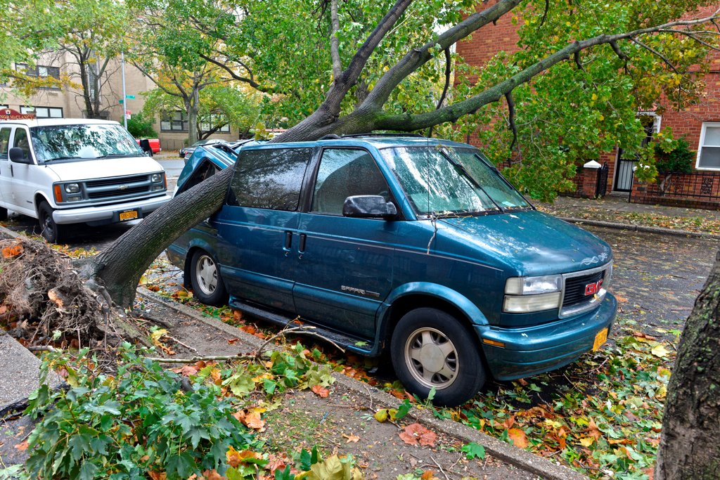 Stock Photo: 4271-1134 USA, New York City, Queens, Aftermath of tropical hurricane Sandy, October 30, 2012