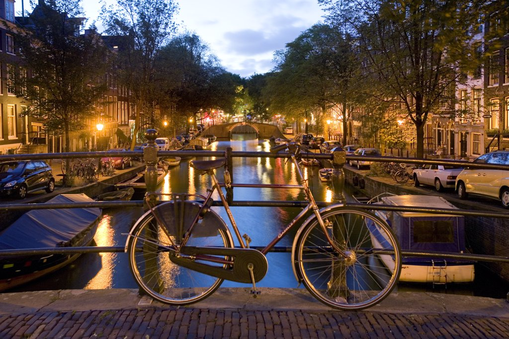 Stock Photo: 4272-13049 Canal, Amsterdam, the Netherlands