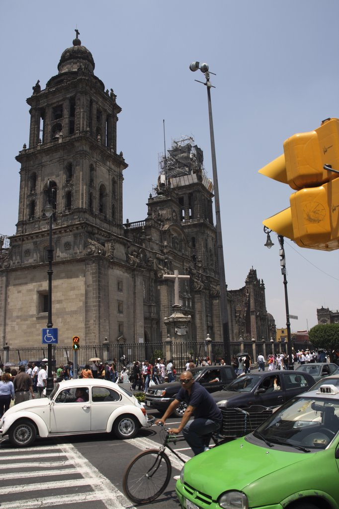 Mexico, Mexico City. The Cathedral Metropolitana, one of the largest cathedrals in the Western Hemisphere. It was constructed in the Spanish Baroque style of architecture and includes a pair of 64-meter neoclassical towers which hold 18 bells. : Stock Photo