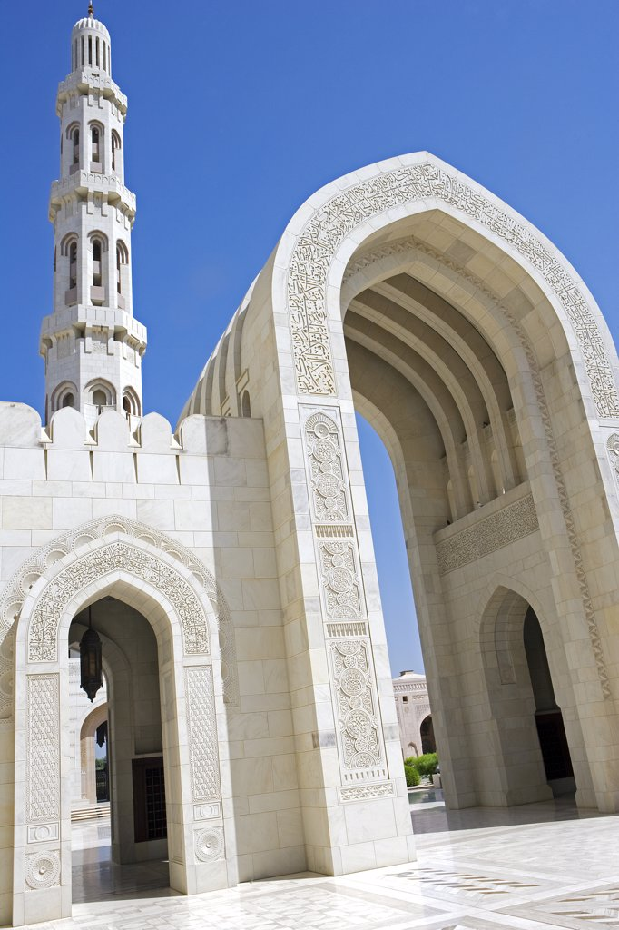 Oman, Muscat, Ghala, Al Ghubrah (Grand Mosque) Mosque. The mosque, a magnificent example of modern islamic architecture, was built for the nation by Sultan Qaboos to mark the 30th year of his reign and is open, at certain times, to non-Muslims. : Stock Photo