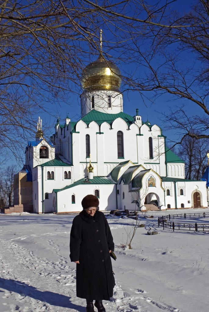 Stock Photo: 4272-27050 Russia, St Petersburg, Tsarskoye Selo (Pushkin). Fyodorovsky Cathedral. This was the favourite church of Tsar Nicholas II and his family while being held at the Alexander Palace and before their transportation to Siberia.